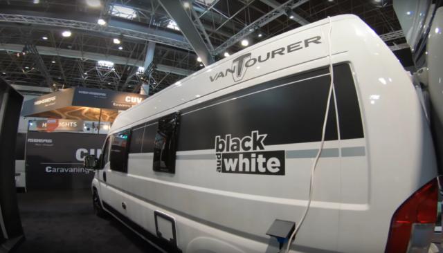 Vantourer Black and White